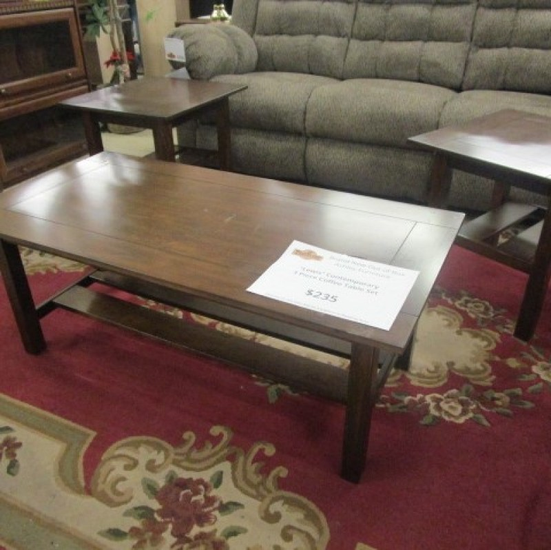 Medium Brown Finish Coffee Table Set