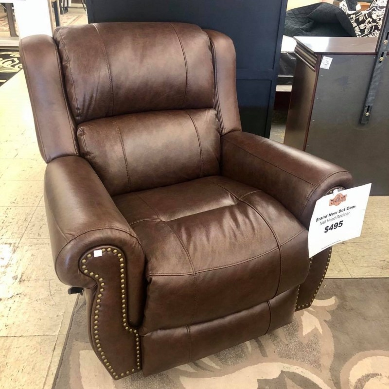 nailheadrecliner
